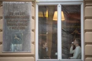 Kavárna je otevřena i pro veřejnost, a to každý den včetně víkendů