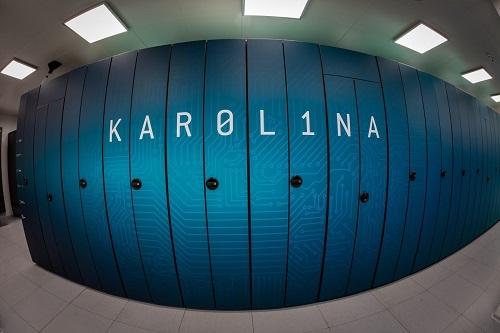 superpočítač Karolina